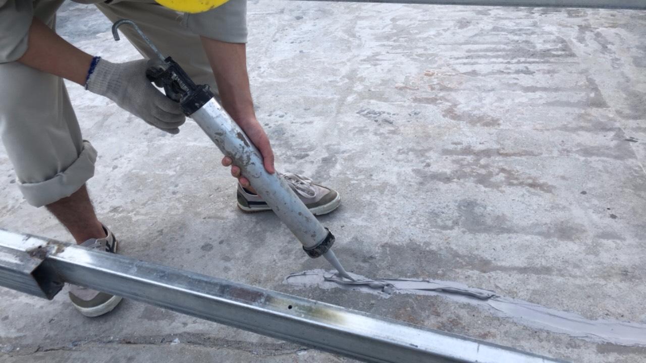 Chống thấm sàn mái bê tông bị nứt tốt nhất hiệu quả 01
